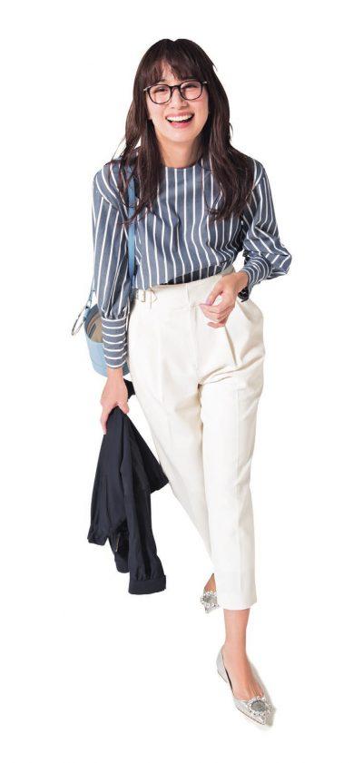 【明日のコーデ】プルオーバーブラウス×白パンツ