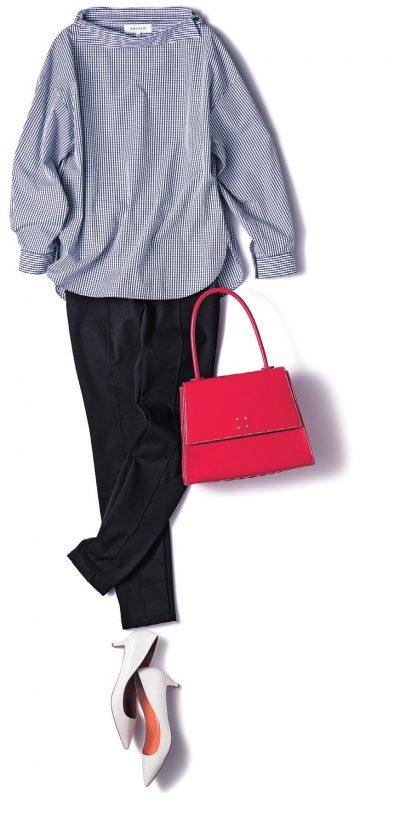 【明日のコーデ】紺ギンガムブラウス×黒スキニー×赤バッグ