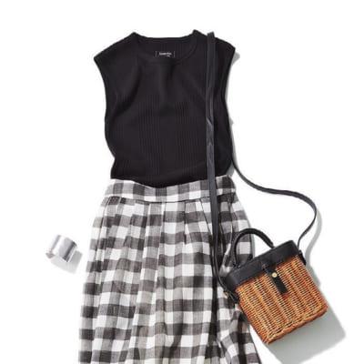 【明日のコーデ】黒ノースリT×黒チェックふんわりスカート