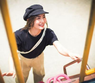 【私のワンパターンオシャレ】辻元 舞さんの「毎日Tシャツ」