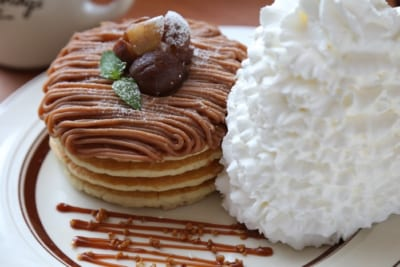 Eggs 'n Thingsの最高にリッチな栗パンケーキ♡