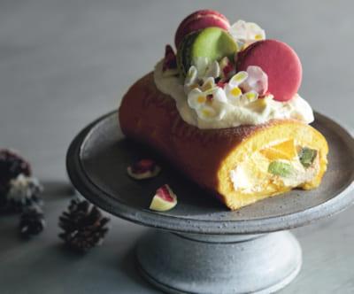 【マカロンのロールケーキ】市販スポンジの写真映えデコレーション④