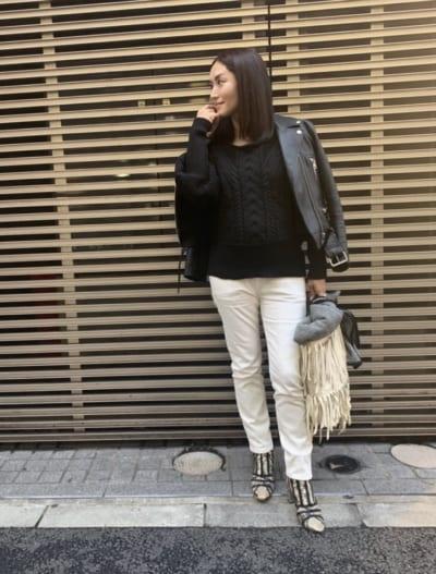 臨月でも白パンツ!スタイリスト亀京子さんの「無印良品」マタニティパンツコーデ