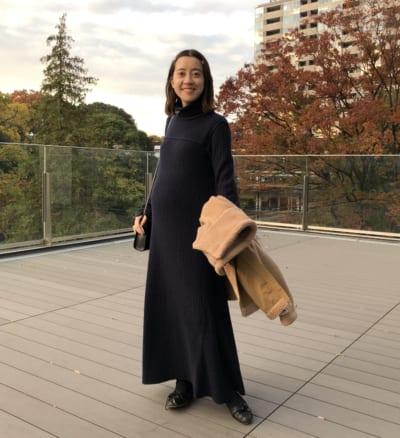 妊娠7ヶ月のワンピースコーデ|チームVERYのマタニティsnap