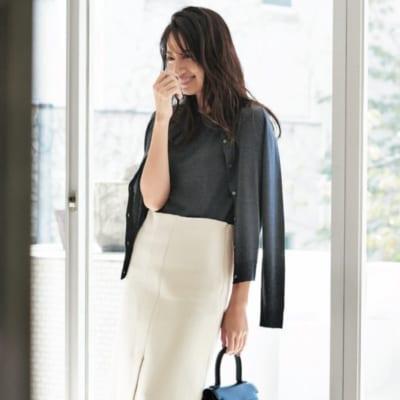 肩がけカーデ×スカートで清潔感&好印象な母行事スタイルが完成!【明日のコーデ】