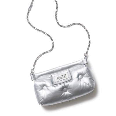 モデル辻元 舞さん「メゾン マルジェラのバッグ」の中身は?|小バッグの中身調査Vol.7