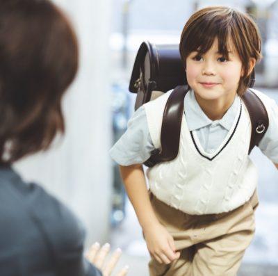 【防犯対策】GPSとキッズスマホ、子どもの見守りはどっちがいいの?