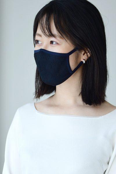 小顔効果を追求! コンサバ派のための冷感マスクが再販