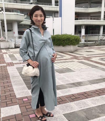 【妊娠10カ月】臨月のマタニティオシャレはビッグシャツとレギンスで