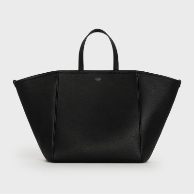 フォーマルにも通勤にも!「セリーヌ」の新作バッグはママの新定番