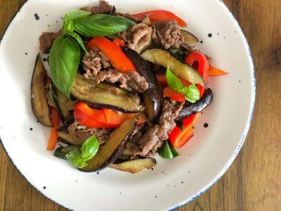 「牛肉となすのエスニックバジル炒め」マタニティレシピ