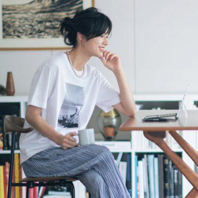 """ZOOM映えする""""カットソー×ひと盛りアクセ""""コーデ5選"""