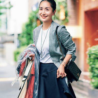人気スタイリスト亀恭子さん私服コーデ「仕事こそスカートで」