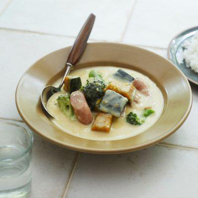 簡単&具だくさん!「ソーセージとブロッコリーの豆乳シチュー」