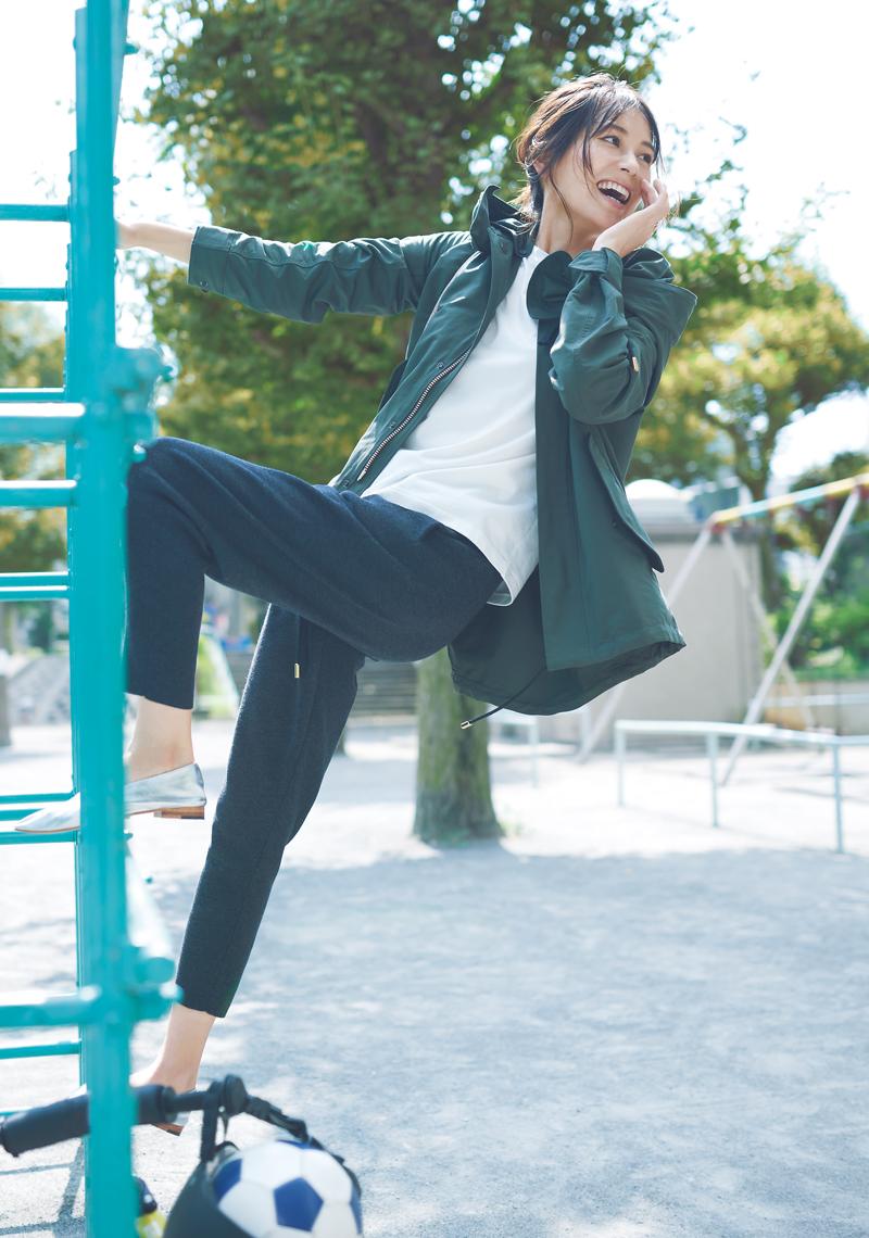 青木裕子さんが着こなす2020年秋冬ニットパンツコーデ