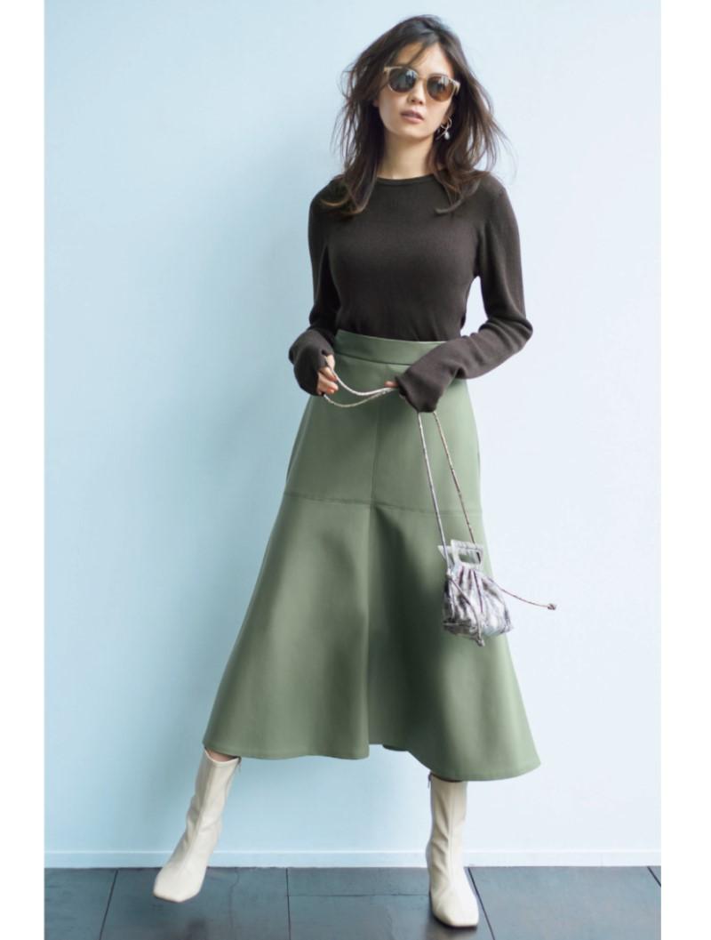 エコレザースカートのコーディネート