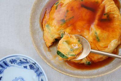 フライパンで10分!忙しい日の中華おかず「にら玉甘酢あんかけ」