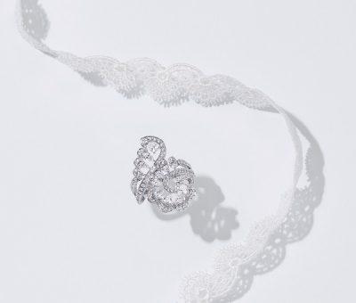 ダイヤモンドのレースを軽やかに纏う「ショパール」新作ジュエリー