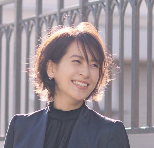 卒園式の髪型、ショートヘアアレンジ1-2