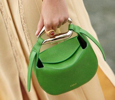 「クロエ」の新作KISSバッグは、小さくてもしっかり入って優秀!