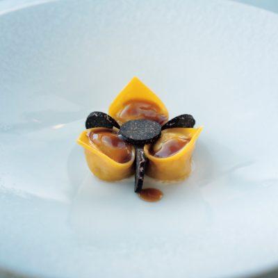 アルマーニの上質空間で味わうサステナブルなイタリアン