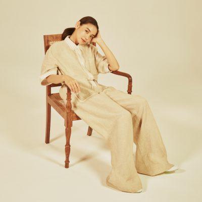 滝沢眞規子さんが着る最新フェンディ「自粛生活中に見えた家庭のやさしい光景を服に」