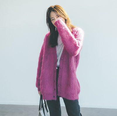 鮮やかピンクで大人っぽく!上質なカジュアルスタイルに【明日のコーデ】