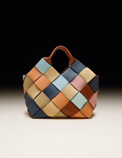 「ロエベ」の余剰レザーで作る美しすぎるウーブンバッグ