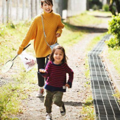汚れがなじむ!くすみ系マルチカラー「スニーカー」7選【公園ママに】