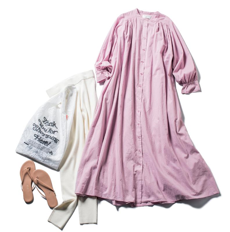 ピンクのシャツワンピ×白レギンスコーデ