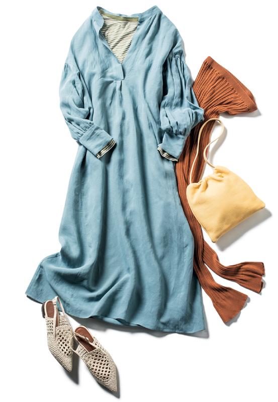 ブルーのシャツワンピ×レギンスコーデ
