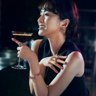 【お酒とジュエリー】装いに知性と深みを添える大人のたしなみ方