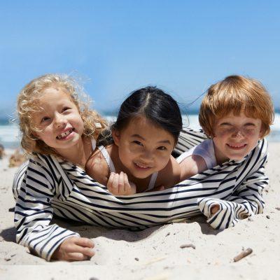 今日も明日もこれからもずっと、子どもたちの笑顔のために サステイナブルな「プチバトー」の子ども服を