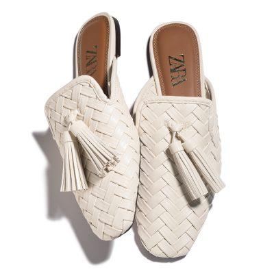 白い靴ならZARA!お値段以上のスリッパサンダルに注目