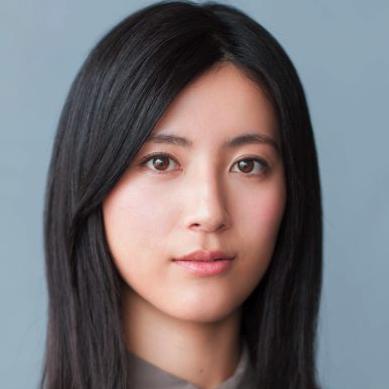 美肌の持ち主・福田彩乃さんの「毎日欠かさないパーツ別ケア」4選