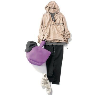 雨の日OK【黒パンツ×シャカアウター】は小物使いで大人っぽく!