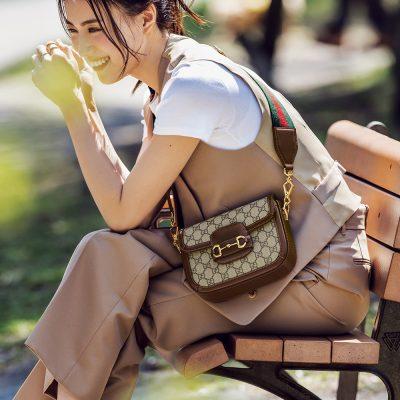 笹川友里さんの「グッチ」のショルダーバッグは斜め掛け