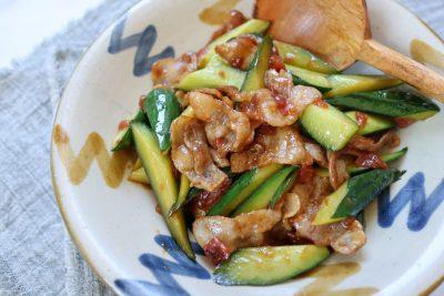 10分以内できゅうりレシピ!夏バテ対策に「きゅうりと豚の梅炒め」