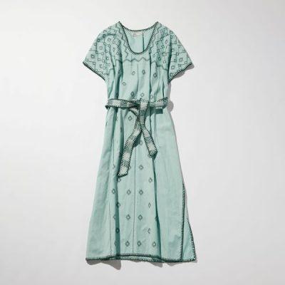 【ZARA】の「キレイ色柄ワンピ」を普段使いで着る方法