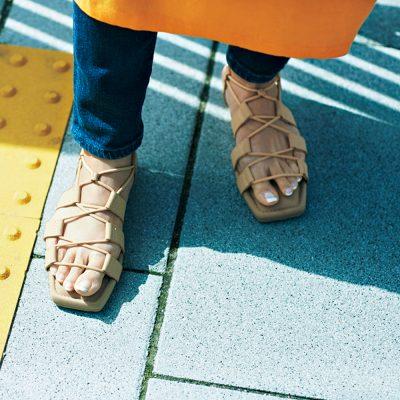 大人はスポサンより「ゴム紐サンダル」!軽くてやみつきになる履き心地に注目