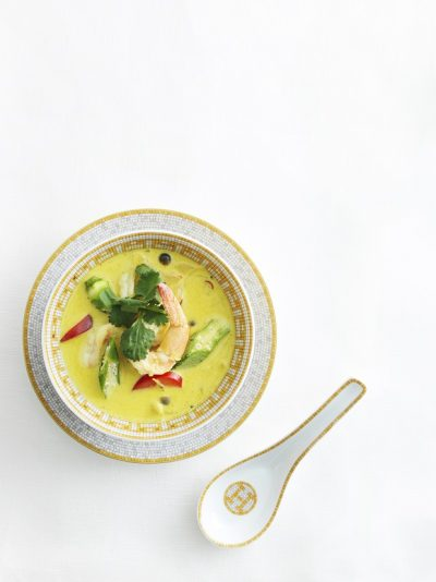 アジアの味をアレンジ!「えびとオクラとパプリカのラクサ風スープ」