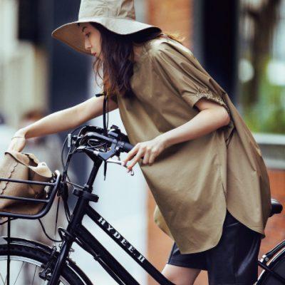 笹川友里さんの「黒パンツ」ベースの自転車コーデ4選