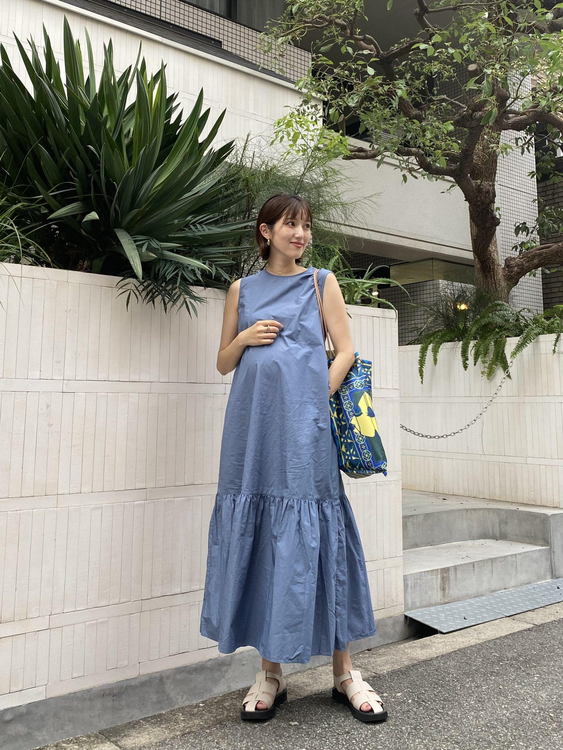 169㎝、妊娠9カ月のマタニティワンピースコーデ。マタニティ服を使わないスタイル。