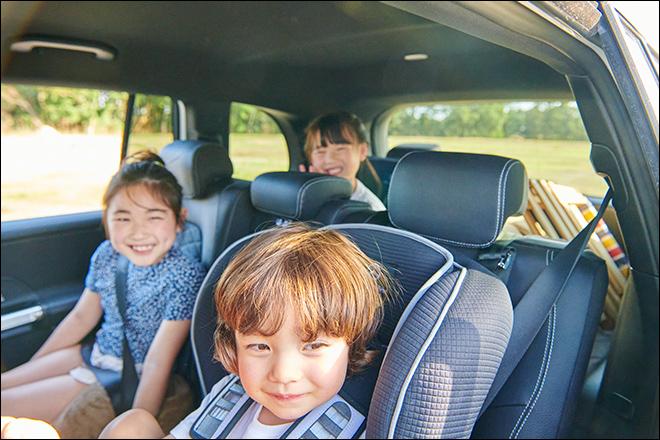7人乗りだからママ友家族と一緒にドライブできる!