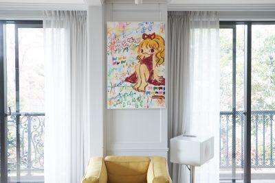起業家・マニヤン麻里子さん フランス人の夫と収集する情熱的なアートを公開