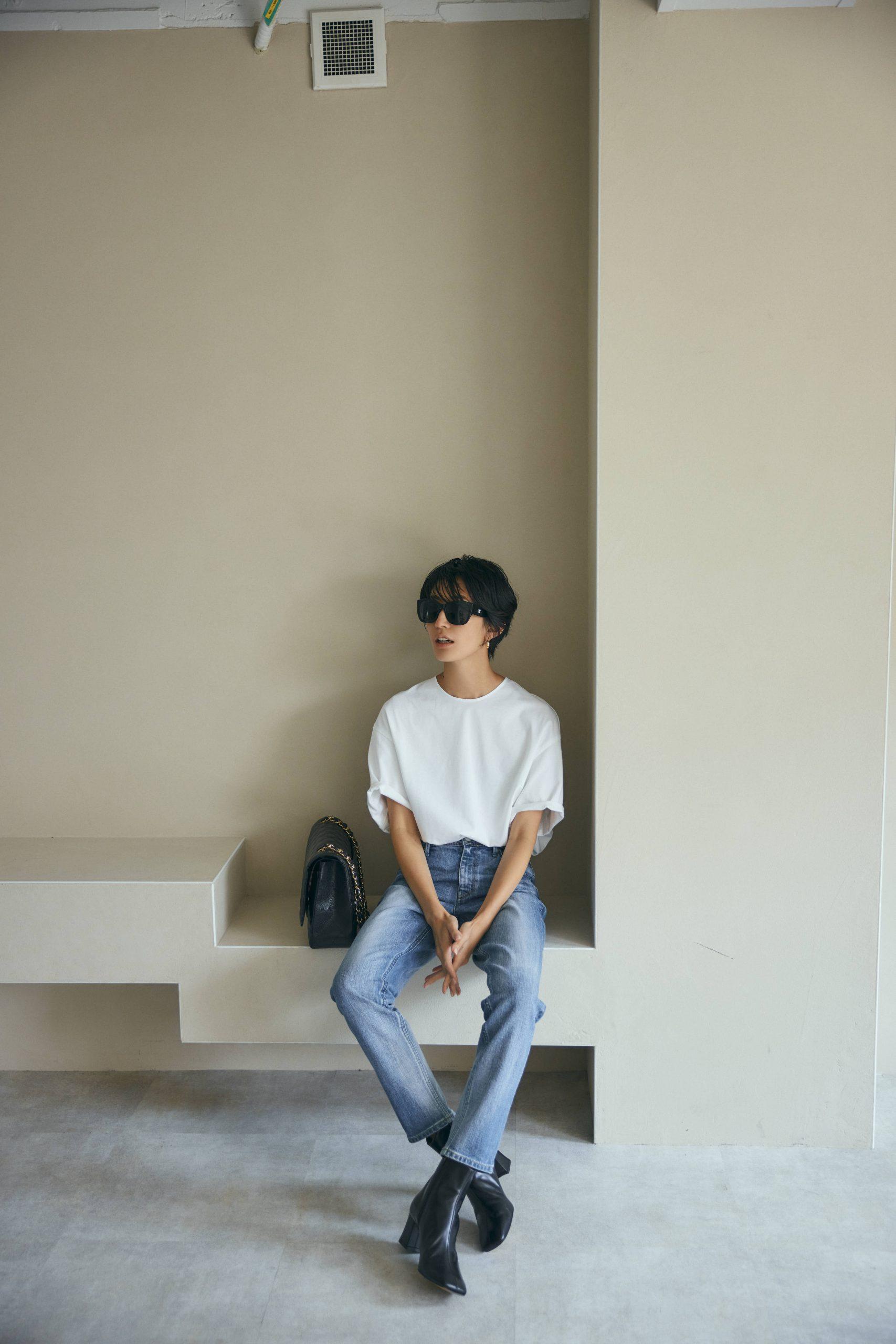 神山まりあ×RIVE DROITE(リヴドロワ)のコラボTシャツを私服のデニムコーデで。白Tシャツ3