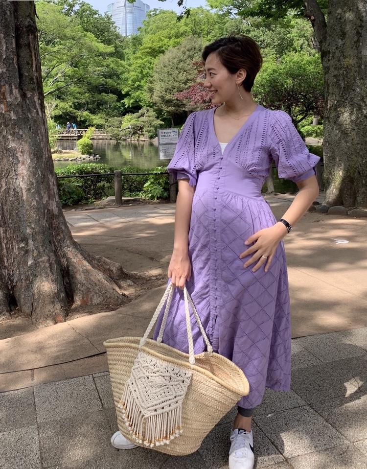 妊娠5カ月にオススメのユニクロのマタニティレギンス×ワンピースの春夏におすすめのマタニティコーデ1