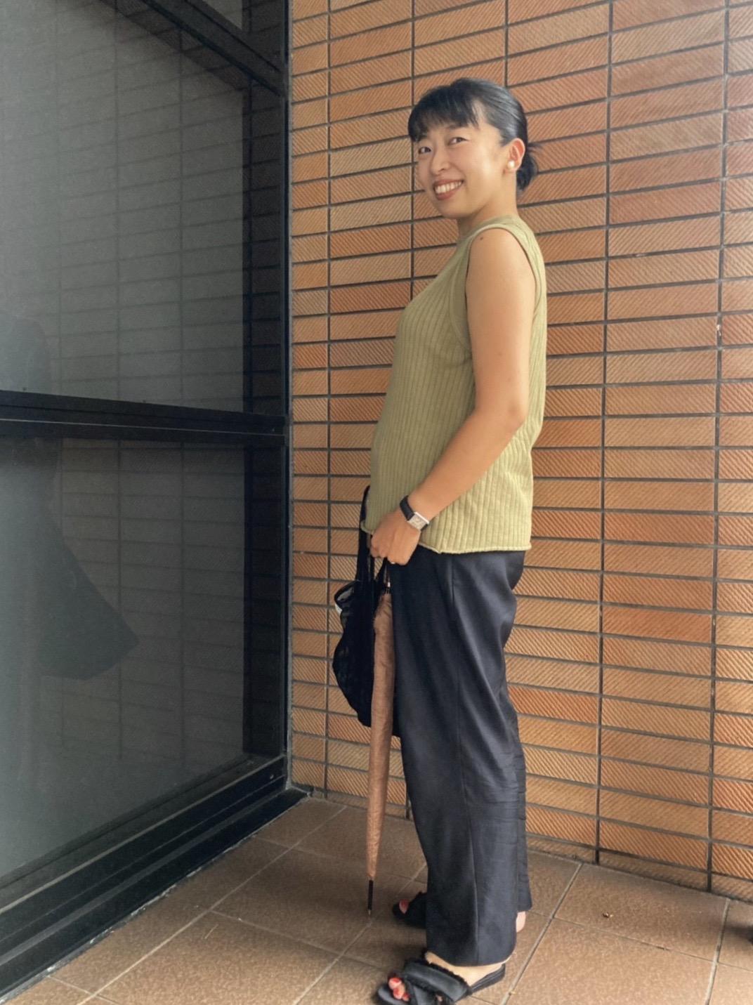 身長155㎝、妊娠7カ月のマタニティ服を使わないマタニティコーデ。ウエストゴムパンツコーデ。
