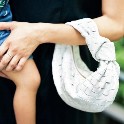 【ボッテガSNAP】モノトーン派の鉄板バッグはボッテガ・ヴェネタのホワイト系