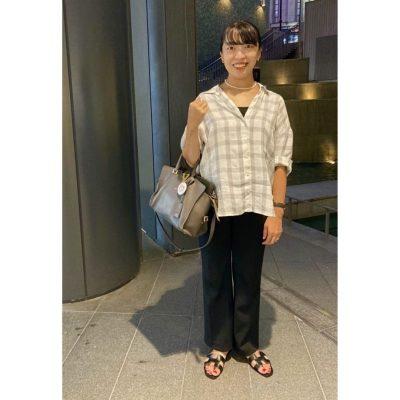 【妊娠8カ月】アウトで着る「シャツ×パンツ」でIラインを意識